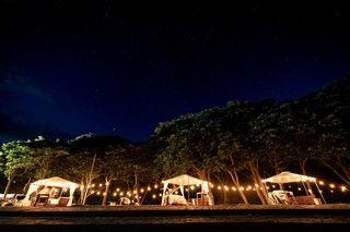 プライベートビーチを眺めながら風を感じる「長崎鼻 ビーチリゾート&ビーチカフェ」